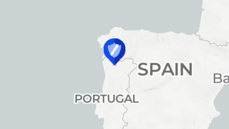 Медицински хеликоптер се разби в планински район на Португалия, съобщава