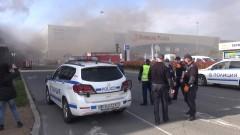 5 часа продължило гасенето на пожара в хипермаркета в Бургас