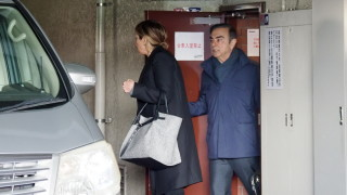 Бившият шеф на Renault-Nissan остана без златен парашут