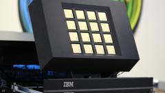 """Единственият в света """"силициев мозък"""" на IBM си намери """"дом"""""""