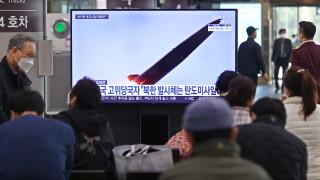 Япония предупреди, че Северна Корея е изстреляла две балистични ракети