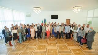 Захариева благодарна на българите в Украйна