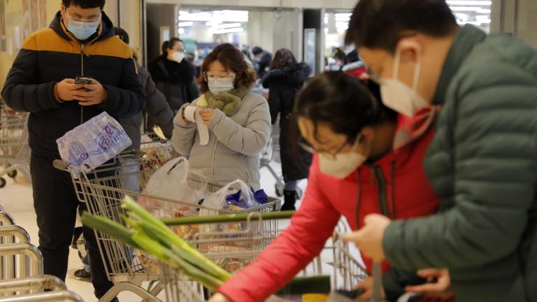 Коронавирус: Китай обявява спад на новите заразени в трети пореден ден