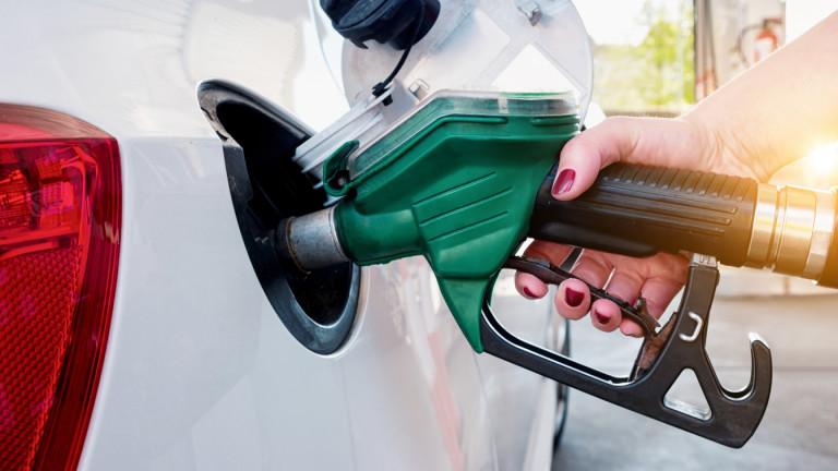 След срива в петрола да очакваме ли спад на горивата по родните бензиностанции?