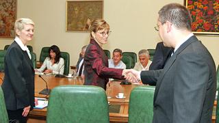 Станишев поиска доклад и от Агенцията за държавни вземания