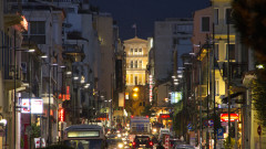 Въвеждат по-строги мерки в Атина заради COVID-19
