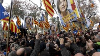Блокираха референдума за Каталуния