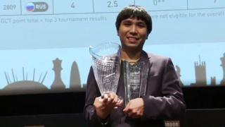 Топалов спечели първата си победа в последния кръг на турнира в Лондон