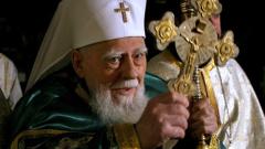 40 дни от кончината на патриарх Максим отбелязва църквата