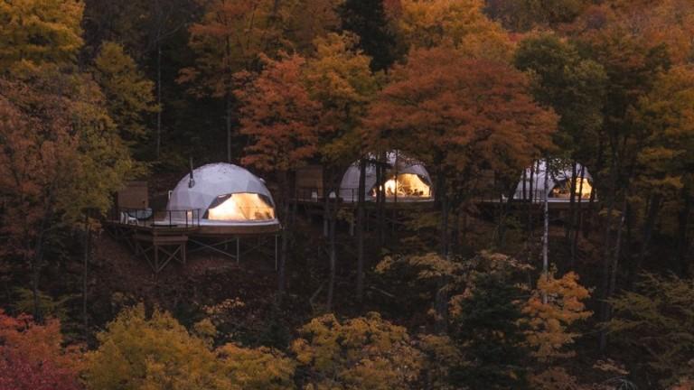 Геодезичните куполи като конструкция и наименование стават популярни след работата