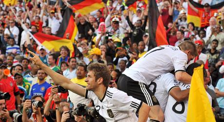 Германия помете Англия и е на 1/4-финал