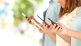 Разходите за мобилна реклама в САЩ скачат със 77%