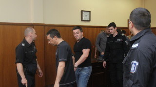 """Съдът потвърди ареста на 8-те митничари от """"Кулата"""""""