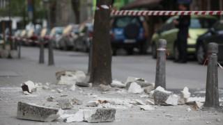 Столична община даде 60 дни за ремонт на сградата, от която се срути мазилка