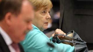 Меркел не бърза да гони Великобритания от ЕС