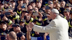 Не искаме мръсните ви пари, хока папата благодетелите на Католическата църква