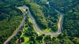 """Титаничен сблъсък на """"Зеления ад"""": Porsche срещу Tesla"""