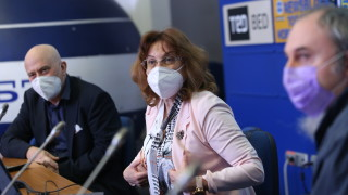 Учени очакват при сегашните мерки затихване на епидемията около Великден
