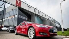 Кой е по-бърз: Tesla S P85D срещу Ferrari, Lamborghini и BMW (ВИДЕО)