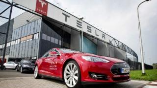 Електрическа кола с 800 км пробег идва скоро, заяви шефът на Tesla
