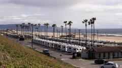 Калифорния бори пандемията със строги мерки