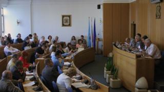 СОС гласува договорите за боклука с Ловеч и Харманли