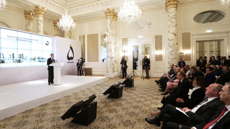 Европа не може да е остров на стабилност, твърди Плевнелиев в Баку