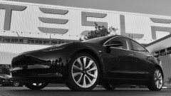 Акциите на Tesla със скок въпреки проблемите с Model 3