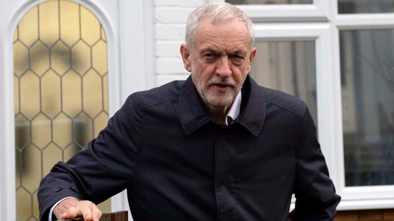 Корбин поиска тримесечно отлагане на Брекзит