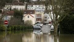 Наводнения във Франция отнеха живота на 13 души