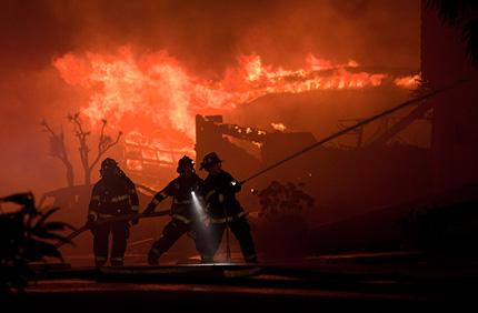 Огненият ад в Тексас продължава