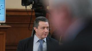 Илюзия е, че бизнессоциалистите ще проправят пътя напред, предупреди Янаки Стоилов