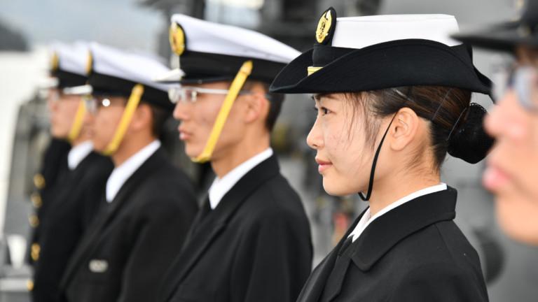 Япония откри неизвестна подводница до териториалните си води