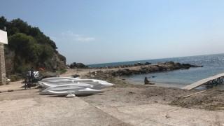Банева пита Ангелкова какво има на един плаж и в морето