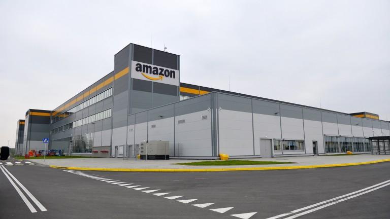 Amazon: Приемаме коронавируса сериозно. Работници: Съобщенията не са верни