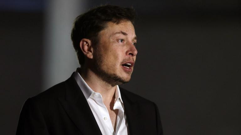Мъск иска да свали Tesla от борсата