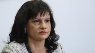 Дариткова обвини БСП, че не познава закона за внасянето на ваксини у нас
