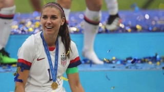 Най-добрата футболистка заменя Америка за Англия