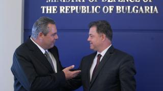 На ЕС да е ясно, че ние пазим границата с Изтока, обявиха София и Атина