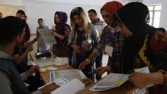 Премиерът Абади води след парламентарните избори в Ирак