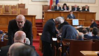 Патриотите стигнаха почти до бой в парламента