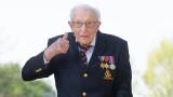 99-годишен британски ветеран събра $15 млн. дарение за здравеопазването със 100 обиколки