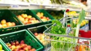 САЩ отчитат първи спад в цените на храните от 50 години