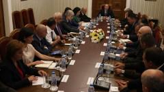 Румен Радев: Чумата и кризата са по цяла България