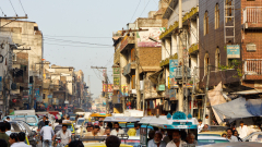 Китай обеща светло бъдеще на Пакистан, но донесе финансова и политическа криза