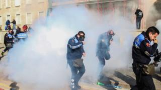 17 ранени при сблъсъци на антиправителствен протест в Албания