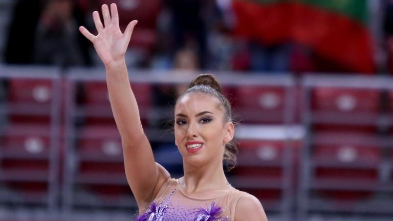 Катрин Тасева се класира на финал на обръч на Световната купа