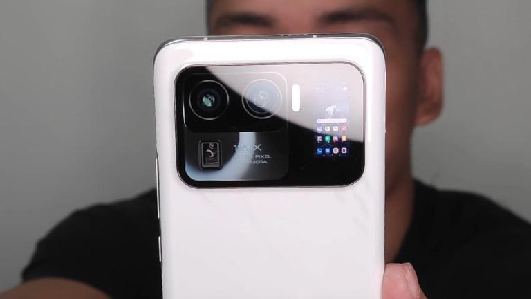 Xiaomi Mi 11 Ultra се появи с уникална камера и втори екран