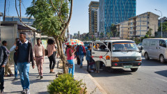Само преди година Етиопия бе сред най-бързо растящите икономики. Днес е разкъсвана от няколко кризи