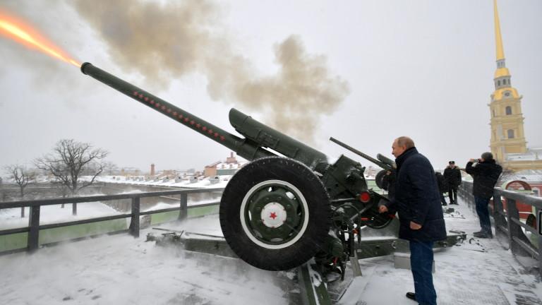 Войникът и шпионинът: Нови подробности за миналото на Путин